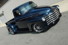 dig the dark blue metallic. ~~ I don't think this is a 1954 but perhaps a year or two earlier. Nevertheless an awesome styled pick up truck. Chevy Pickup Trucks, Classic Chevy Trucks, Gmc Trucks, Classic Cars, Silverado Truck, Chevy Classic, Lifted Chevy, Toyota Trucks, Hot Rod Trucks