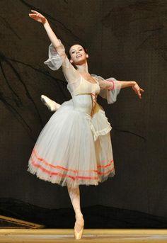 Daria Khokhlova, Giselle, Bolshoi Ballet at The Royal Opera House (July, 2010) - Photographer John Ross