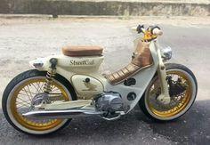 Street Cub. Honda Cub, Custom Moped, Custom Bikes, Classic Motors, Classic Bikes, Vintage Motorcycles, Cars And Motorcycles, Honda Bikes, Honda Scooters