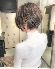 135 short layered bob hairstyles for you Medium Hair Cuts, Short Hair Cuts, Short Hair Styles, Layered Bob Short, Short Hair With Layers, Layered Bob Hairstyles, Hairstyles Haircuts, Bob Haircut For Fine Hair, Asian Bob Haircut