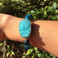 """Gorgeous Blue Agate Druzy Bracelet Gorgeous agate druzy stretch bracelet.  Agate stones are commonly known as the protective stones.  They also promote harmony and strength. Sizes and color may vary slightly  Diameter: Approximately 2.5"""" Handmade Boho Motivations Jewelry Bracelets"""
