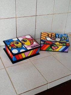 Cajas para te Painted Wooden Boxes, Hand Painted Mugs, Hand Painted Furniture, Ceramic Painting, Painting On Wood, Cigar Box Crafts, Matchbox Crafts, Diy Gift Box, Funky Art