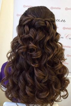 Wedding Hairstyles For Long Hair - Are you curious about bridesmaid hairstyles trends? We have a collection of gorgeous half-up hairstyles photos to bring you inspiration. Quince Hairstyles, Cute Prom Hairstyles, Up Hairstyles, Wedding Hairstyles, Bridesmaid Hairstyles, Hairstyles For Long Dresses, Prom Hairstyles For Long Hair Half Up, Bridesmaid Hair Half Up Long, Pageant Hairstyles