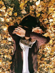 Add me on Insta for more pics Autumn Photography, Girl Photography, Creative Photography, Fall Pictures, Fall Photos, Autumn Tumblr, Autumn Aesthetic, Insta Photo Ideas, Foto Pose