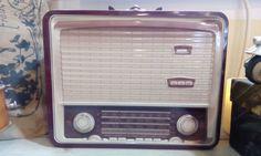 Caja Radio Afónica, sonar no me suena, pero si guardo en ella sueños sonoros, de esos que tararea tu mente y deseas que se cumplan, caja radio 13,50 📻