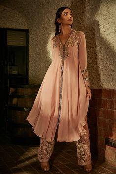 Pakistani Dresses, Indian Dresses, Indian Outfits, Indian Clothes, Pakistani Suits, Pink Kurti, A Line Kurti, Ethenic Wear, Salwar Designs
