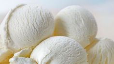 French vanilla ice cream is a classic dessert. Recreate the fabulous flavor of this Ban and Jerry's ice cream at home. Easy Ice Cream Recipe, Homemade Ice Cream, Ice Cream Recipes, Homemade Vanilla, Ice Cream Flavors, Vanilla Ice Cream, Frozen Desserts, Frozen Treats, Mantecaditos