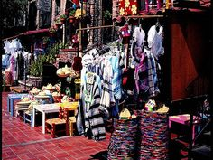 Olvera street info...... READ You don't have to break the bank to experience Los Angeles. Here arethree days of excursions that are both memorable and easy on the wallet.