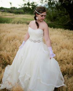 Savvy Deets Bridal: {Styled Shoot} Rustic Vintage Equestrian Bride