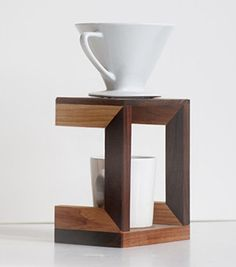 Coffee Drip Stand by Meriwether Coffee Snobs, Coffee Brewer, Coffee Maker, Coffee Pour Over Stand, Coffee Stands, Drip Coffee, Coffee Cups, Coffee Art, Café Chocolate