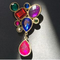 VINTAGE MULTI- COLOR BROOCH CLASSY!!! Multi- color brooch. Wear this on your favorite over coat, suit or blazer. Vintage. -No trades. HP Vintage Jewelry Brooches