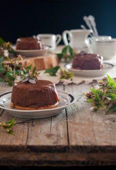 La asaltante de dulces: Receta de falsos flanes de chocolate, galleta y caramelo/ No bake chocolate, cookies & caramel little cakes. Delicious!
