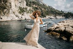 Tara Lauren Seafarer Collection | Bohemian Inspired Wedding Gown - Sexy & Gorgeous Wedding Gown Every Bride will Love!
