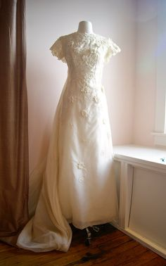 60s Wedding Dress / Vintage 1960s Cap Sleeve Silk by xtabayvintage