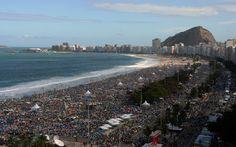JMJ: Jornada Mundial da Juventude 27/7 - Peregrinos lotavam as areias de Copacabana pela manhã - Rio de Janeiro, BR