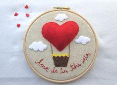 Embroidery hoop love gift heart hoop heart balloon por RALOOLAND