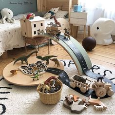 Playroom goals ! So many possibilities for creative play - this would keep my little one entertained for hours - thanks so much for including us @tthese_beautiful_thingss ! Tractors and wooden trucks are back in stock !