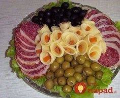 New cheese platter presentation cold cuts 34 ideas Meat Trays, Meat Platter, Food Platters, Cheese Platters, Snacks Für Party, Appetizers For Party, Appetizer Recipes, Food Displays, Food Decoration