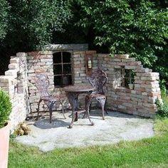 Se créer un petit angle salon original dans le jardin! 20 idées inspirantes... Salon original dans le jardin.Pour ceux qui on la chance d'avoir un jardin chez soi, nous vous proposons aujourd'hui 20 idées pour y réaliser un petit salon original e...