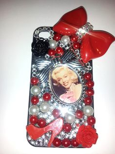 CLASSY MARILYN MONROE CELL PHONE CASE! I CAN DO ANY PHONE!! CK OUT MY FB PAGE, http://facebook.com/sophiasamoraperez