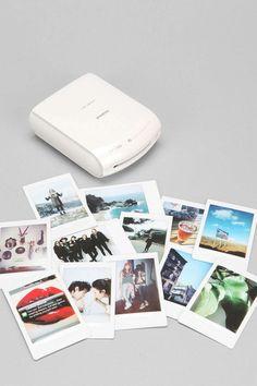 Fujifilm INSTAX Instant impresora para tu celular.  Puedes comprarla en: http://articulo.mercadolibre.com.co/MCO-412390108-fujifilm-printer-instax-share-sp-1-_JM