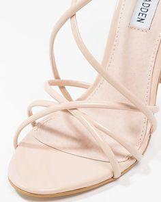 Sandalias de peluche Steve Madden nuevas De Mi Closet A