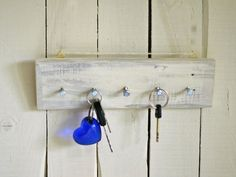 Schlüsselbretter & -kästen - Schlüsselbrett, Holz, Hakenleiste, Schlüsselbord, key rack, key holder - ein Designerstück von SchlueterKunstundDesign bei DaWanda