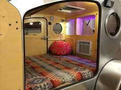 Design-Driven Features What sets Vistabule apart? Tons of light, plenty of… Teardrop Camping, Teardrop Caravan, Teardrop Trailer, Diy Camper Trailer, Tiny Camper, Micro Campers, Rv Campers, Camper Van, Camping 3