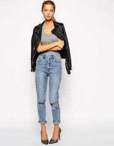 Image 4 ofASOS Farleigh High Waist Slim Mom Jeans in Day Dreamer Vintage Wash with Busted Knees