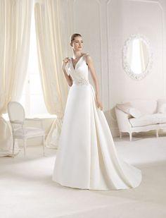 Bane-tog V-hals Plus Sizes Luksus Bryllupskjoler La Sposa Wedding Dresses, V Neck Wedding Dress, Luxury Wedding Dress, Prom Dresses, Short Dresses, Bridal Gown Styles, Bridal Gowns, Glamour, Ball Gowns