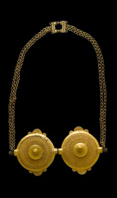 Africa | Asante dual-disk funerary pectoral (awisi- ado) | Silver alloy, gold plated | Est. 3'000 - 5'000 CHF ~ (Dec '13)