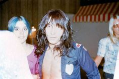 Johnny Thunders w/New York Dolls at the Trading Post East in Detroit, MI, May 25th 1974