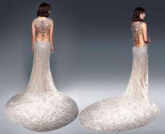 Robe Ralph & Russo. Faite avec 152.000 cristaux Swarovski ! Son prix? 230.000 livres ;)