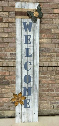 4 Panel Welcome sign painted with decoritve burlap an metal Butterfly &Flower.