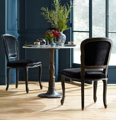 (https://www.zinhome.com/french-industrial-white-marble-top-round-bistro-table/)
