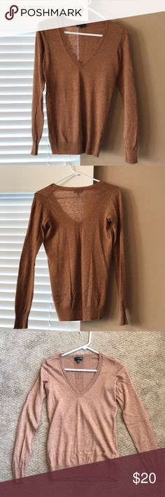 Limited V-neck sweater Caramel colored V-neck perfect for layering. Worn 2x. Thin material. The Limited Sweaters V-Necks