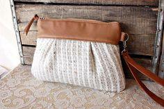Braccialetto / bustina / frizione in tessuto di lana maglione in pelle e Upcycled - pronto a nave...
