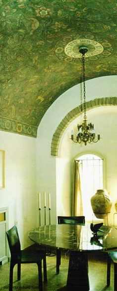 Prior to the addition of the mural, on the barrel ceiling, this dining room was icy white. Adapted from a 250 year-old German synagogue ceiling, the pattern was antiqued to match the age of the more than 100 year-old home. Painted by Laurel Murals Ceiling Tapestry, Ceiling Murals, Ceiling Ideas, Ceiling Painting, Table Diy, Barrel Ceiling, Interior Architecture, Interior Design, Wall Finishes