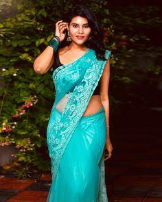Beautiful Blonde Girl, Beautiful Girl Indian, Beautiful Women, Indian Beauty Saree, Indian Sarees, Hot Actresses, Indian Actresses, Mens Poncho, Alexandra Daddario Images