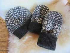 Tee-se-itse-naisen sisustusblogi: Fleece Lined Mittens And Beanie Out Of Old Recycled Wool Sweater