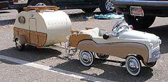 Child& miniature car, with miniature trailer (actually an ice chest on wheels), c. Childs miniature car, with miniature trailer (actually an ice chest on wheels), c. Volkswagen, Vw Bus, Vintage Caravans, Vintage Travel Trailers, Vintage Campers, Auto Girls, Miniature Cars, Teardrop Trailer, Car Trailer