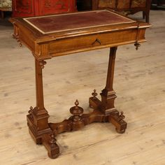 Italian desk made by carved cherry of the late 19th century. Visit our website www.parino.it