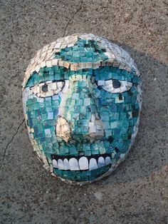 Aztec-inspired paper mosaic mask from art education daily