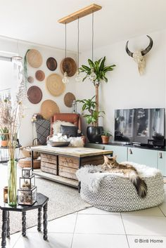 trendy style bohemian home living spaces Bohemian Living Rooms, Living Spaces, Bohemian Interior, Scandinavian Interior, My New Room, Home And Living, Room Inspiration, Living Room Designs, Home Furniture