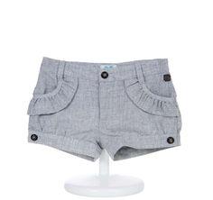 Pantalón corto niña - demelocoton.com Baby Outfits, Kids Outfits, Short Niña, Short Girls, Baby Bloomers, Chor, My Baby Girl, Kind Mode, Kids Wear