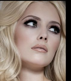 Face of HD Brows blonde model only.