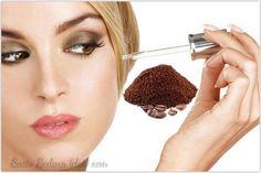 Suero de #cafeína. Remedio casero para reducir ojeras, bolsas y arrugas en los ojos e información sobre sus beneficios. #belleza #consejos