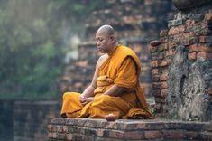 Buddhist monk meditation in temple Meditation Meaning, Buddhist Meditation, Buddhist Monk, Tibetan Buddhism, Mindfulness Meditation, Mantra Meditation, Vipassana Meditation, Byron Katie, Zen
