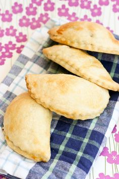 Krissy's Creations: Peanut Butter Banana Hand Pies
