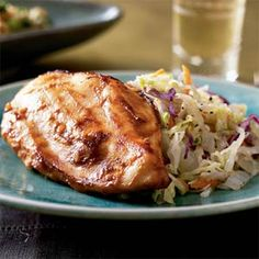 Healthy Chicken Recipes Under 200 Calories - Asian Chicken And Cabbage Chicken And Cabbage, Asian Chicken, Hoisin Chicken, Beer Chicken, Cooked Cabbage, Cabbage Salad, Chicken Meals, Low Fat Chicken Recipes, Cabbage Recipes